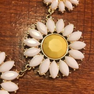 Accessories - Daisy Statement Necklace